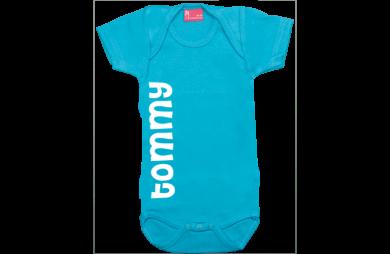 Body short sleeve: Name vertical
