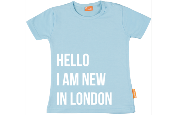 Camiseta Bebe:  Hi, I'm new in town