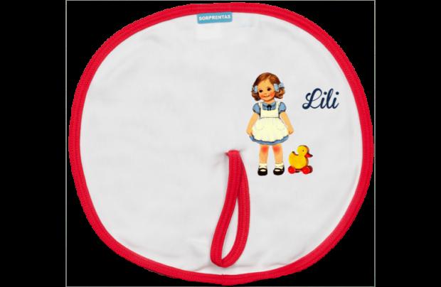 Schnuller Bib: Süßes Mädchen mit einem Spielzeugente