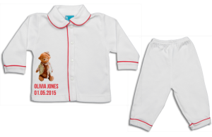 Schlafanzug: Teddybär mit Hut